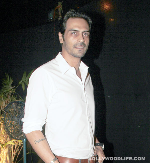 Arjun Rampal all set to wear the hat of a writer in Roy?