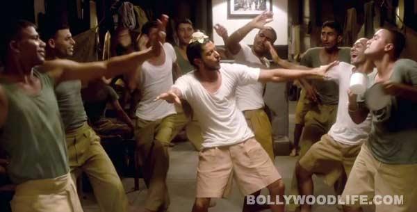 Bhaag Milkha Bhaag song Maston ka jhund: Farhan Akhtar shows off some crazy bhangra moves!