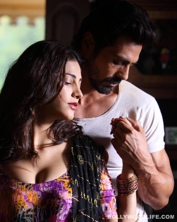 D-Day song Alvida: Arjun Rampal and Shruti Haasan get super intimate!