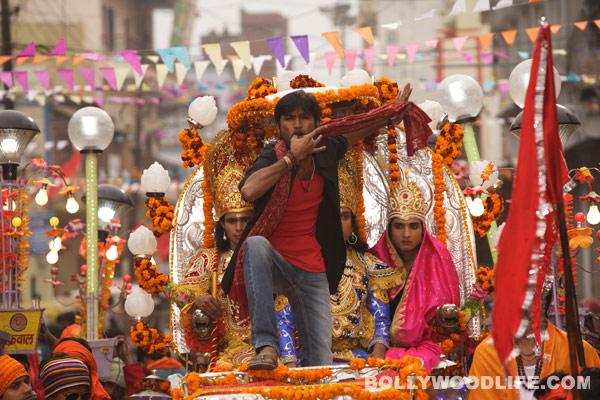 Raanjhanaa music review: AR Rahman is back with a bang!