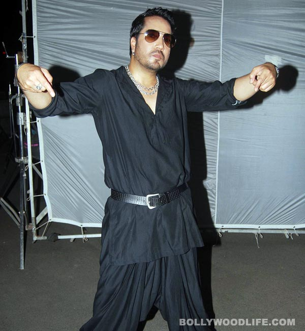 Mika Singh creates fire in monsoon: Birthday special