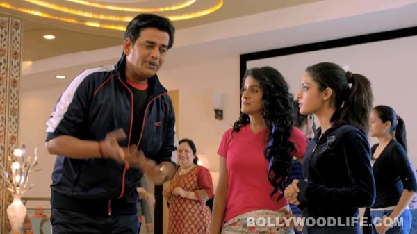 Bajatey Raho movie review: Ravi Kishen steals Tusshar Kapoor's thunder!
