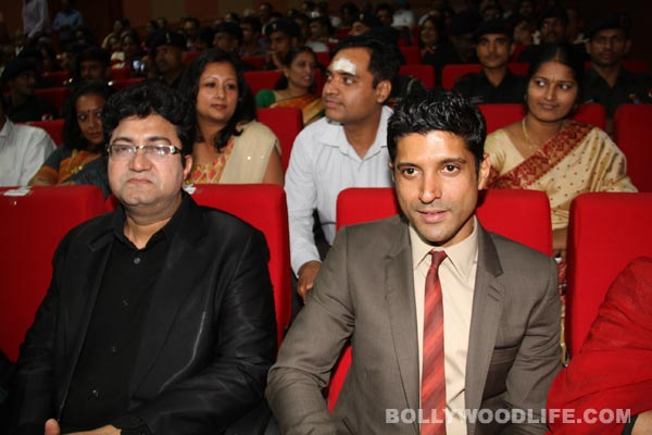 Farhan Akhatar, Milkha Singh and Sonam Kapoor attend the special screening of Bhaag Milkha Bhaag for armed forces: View pics!