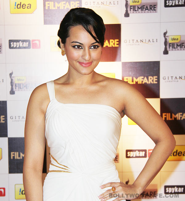 Who's stopping Sonakshi Sinha from getting a tattoo?