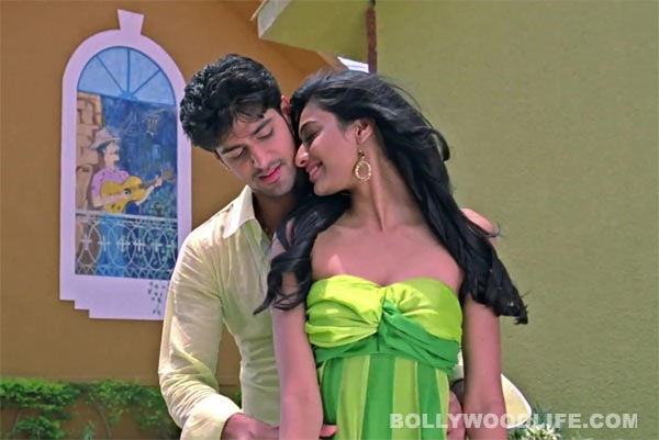 Why couldn't Tanuj Virwani and Neha Hinge get a lip-lock scene right?