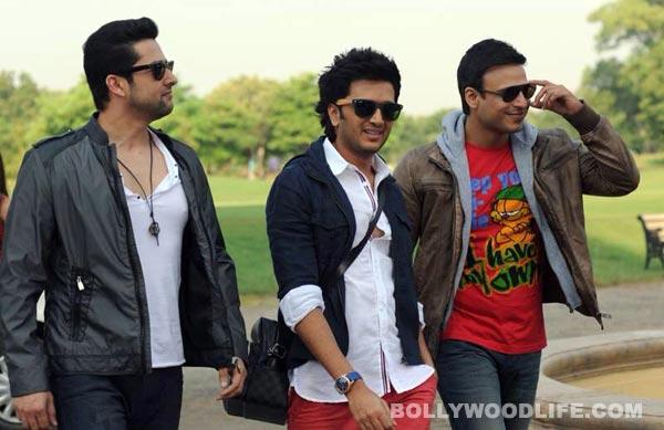 Grand Masti title song: Riteish Deshmukh, Vivek Oberoi, Aftab Shivdasani try hard to impress!