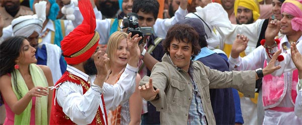 Why does Aamir Khan want to colour his heartbeat?