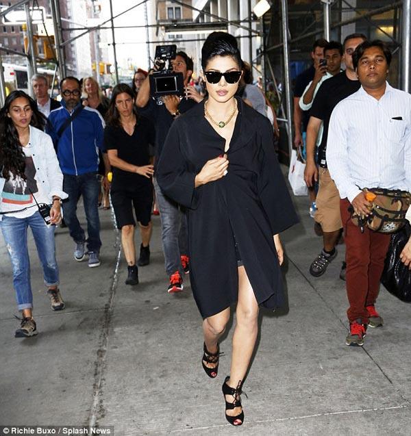 Priyanka Chopra halts traffic in New York!