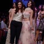 Lakme Fashion Week 2013: Kajol, Jacqueline Fernandez, Ayan Mukerji, Zarine Khan at Shehla Khan's show