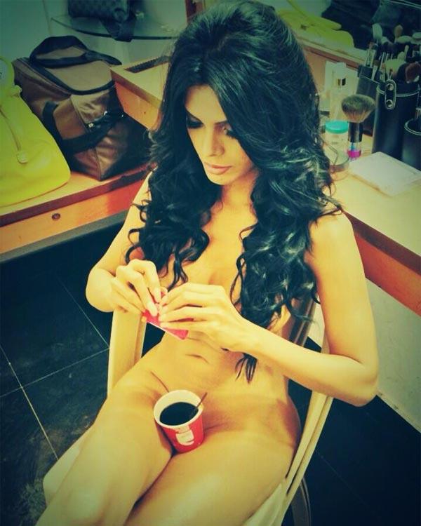 Sherlyn Chopra's secret coffee date revealed!