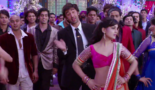 Besharam song Tere mohalle: Ranbir Kapoor and Pallavi Sharda's jugalbandi is thanda!