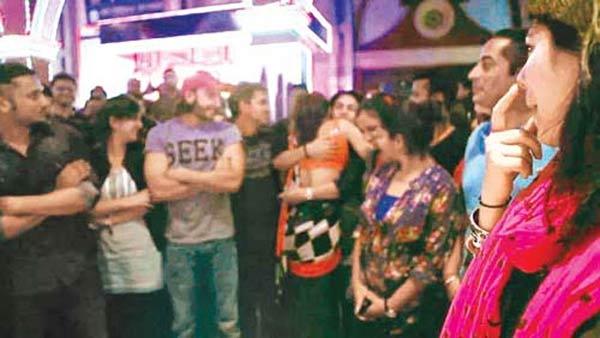 Is Ranveer Singh too possessive of Deepika Padukone?