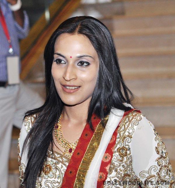 Aishwarya Dhanush begins shooting Vai Raja Vai