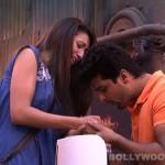 Bigg Boss 7: Is Gauhar Khan playing with Kushal Tandon's feelings?