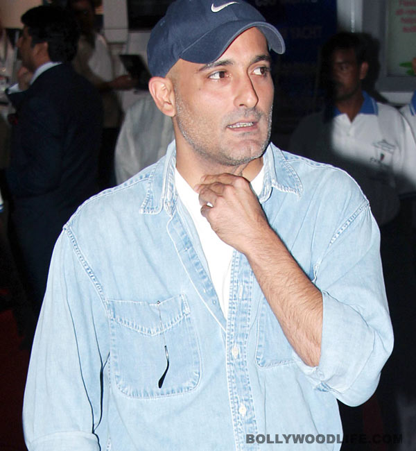 Akshaye Khanna duped of Rs 50 lakh!