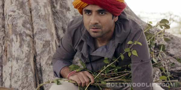 Sooper Se Ooper song Bajan de dhol: A hatke song with Rajasthani flavour!