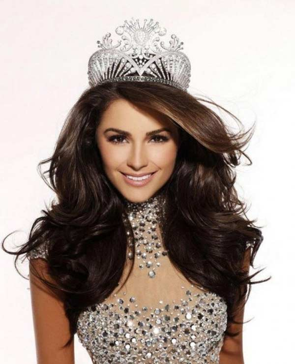 Miss Universe Olivia Frances Culpo in trouble over Taj Mahal photoshoot!