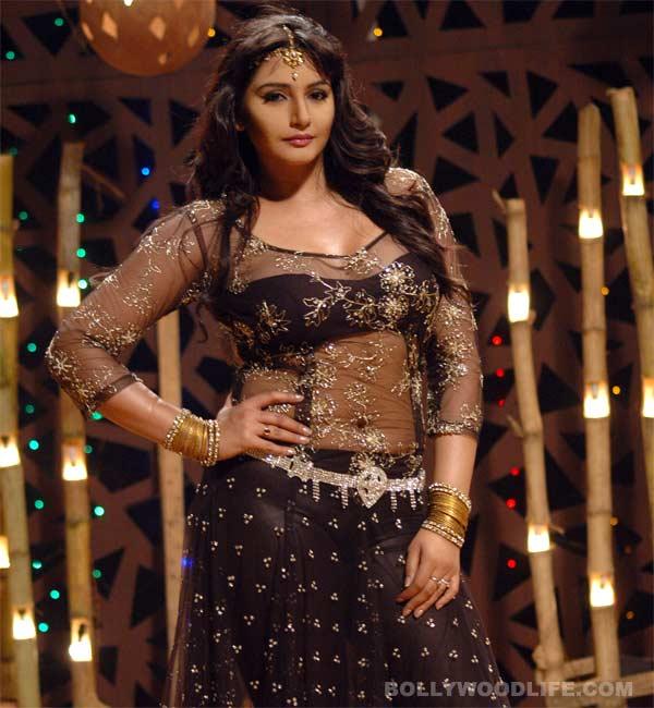 Ragini Dwivedi to do an item song in R...Rajkumar