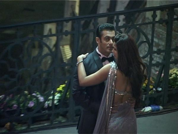 Love is in the air as Salman Khan shoots for Jai Ho in Romania - View pics!