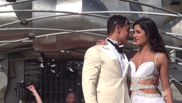 Dhoom:3 behind the scenes: Aamir Khan and Katrina Kaif explore Chicago!