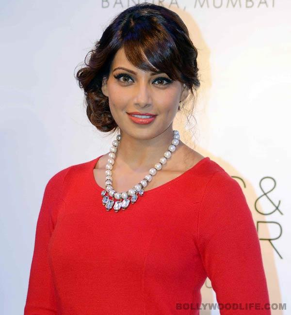 Bipasha Basu: It's a bad idea to say that I am in love