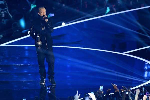 Eminem awarded Global Icon Award at MTV Europe Music Awards!