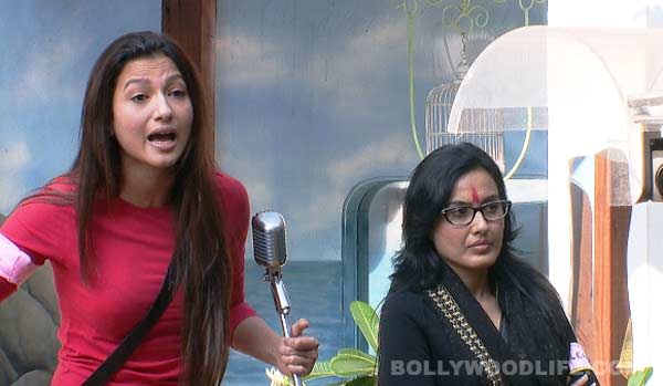 Bigg Boss 7: Gauahar Khan and Tanishaa Mukherji battle it out!
