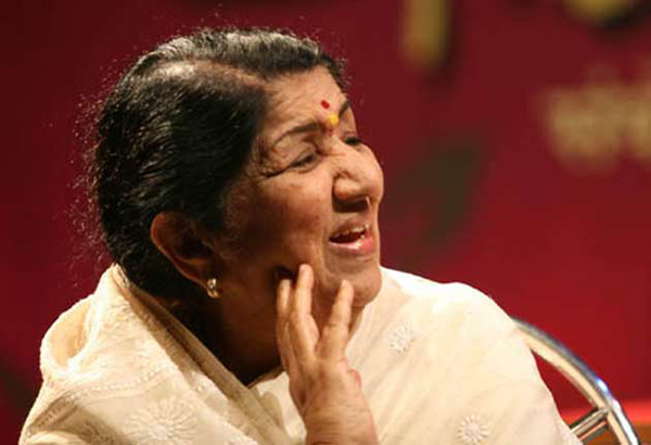 Sachin Tendulkar retired too early, thinks Lata Mangeshkar