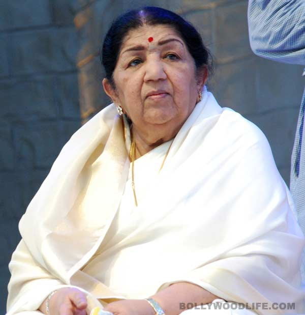 Lata Mangeshkar embroiled in dirty politics; asked to return Padma Bhushan and Bharat Ratna