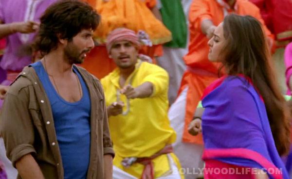 R…Rajkumar trailer: Is Shahid Kapoor making fun of Sonakshi Sinha's weight?