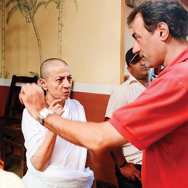 Kajol and Tanishaa Mukherji's mom Tanuja goes bald for Pitruroon