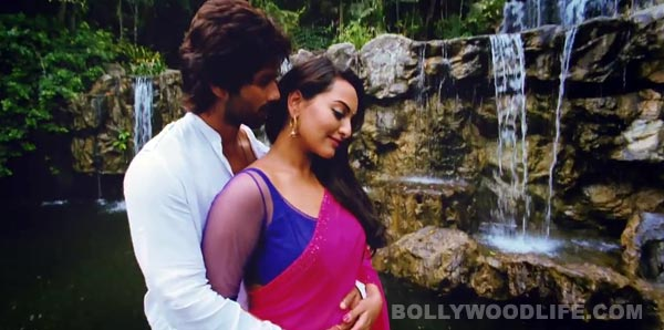 R…Rajkumar song Dhokha dhadi: Shahid Kapoor and Sonakshi Sinha get romantic on exotic locations!