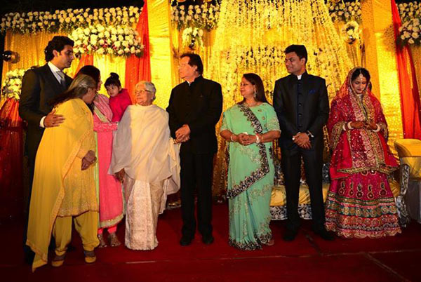 Abhishek Bacchan spotted with wife Aishwarya and daughter Aaradhya at a wedding in Bhopal!
