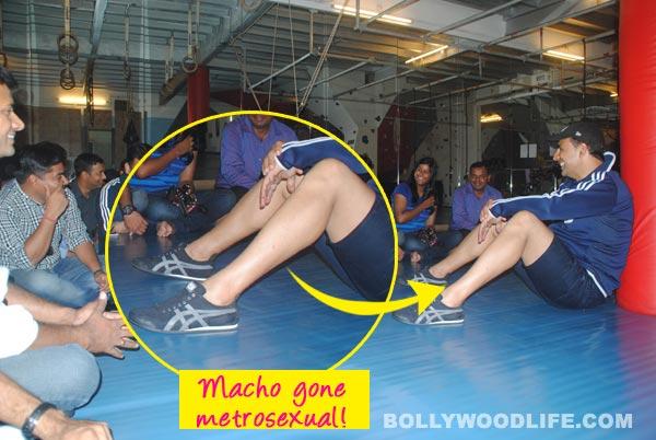 Does Akshay Kumar wax his legs?