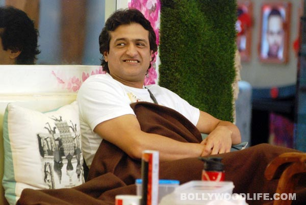 Bigg Boss 7: Armaan Kohli back in the house. Read channel's statement!