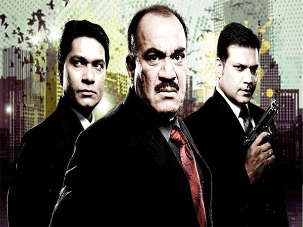 CID: ACP Pradyuman and Daya solve a case in zero gravity environment