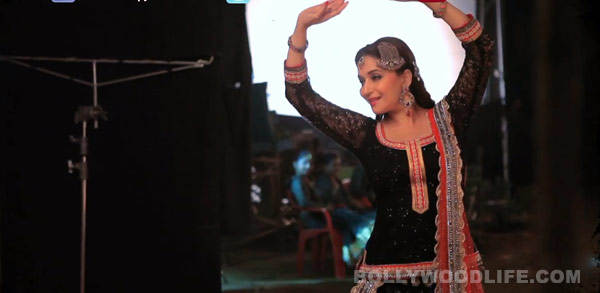 Dedh Ishqiya song Hamari atariya making: Madhuri Dixit-Nene performs Kathak in full zest