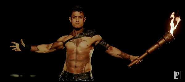 Aamir Khan's Dhoom:3 opens with a bang!