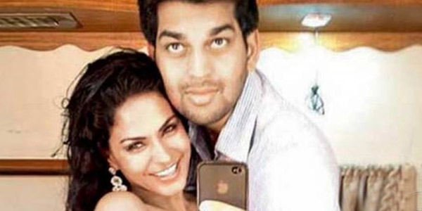 Was Veena Malik having a live-in relationship with a gay ex-employee?