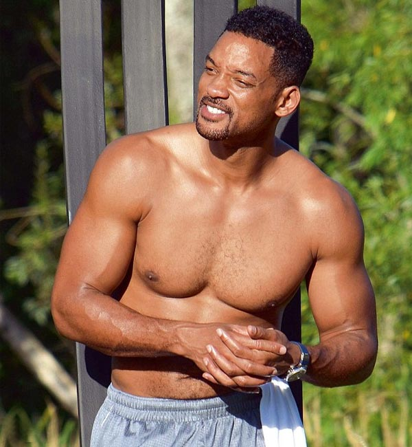 Will Smith flaunts chiseled body, buffed arms