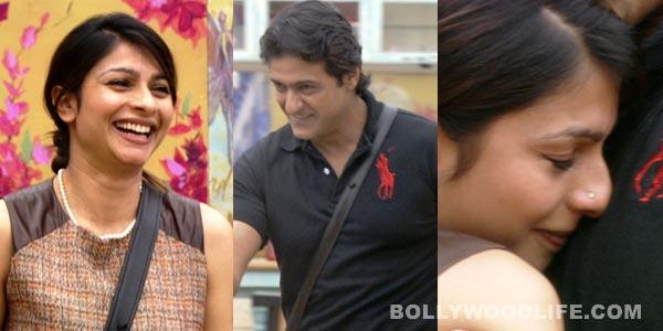 Bigg Boss 7: Armaan Kohli back in the house, brings back Tanishaa Mukherji's lost smile!