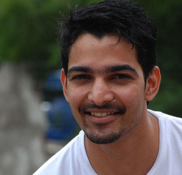 Harshvardhan Rane to sell his t-shirts for charity
