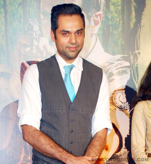 Abhay Deol plays real life hero to Dharavi kids!