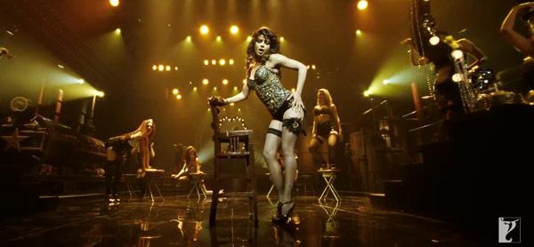 Gunday song Asalaam e Ishqum: Priyanka Chopra's sizzling act fails to save this thanda track!