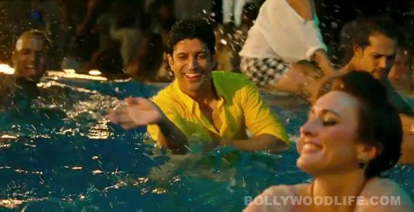 Shaadi Ke Side Effects song Harry is not bramchari: Farhan Akhtar teaches how to do naagin dance!