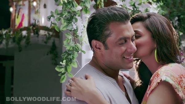 Jai Ho song Tumko toh aana hi tha: Salman Khan is madly in love with Daisy Shah!