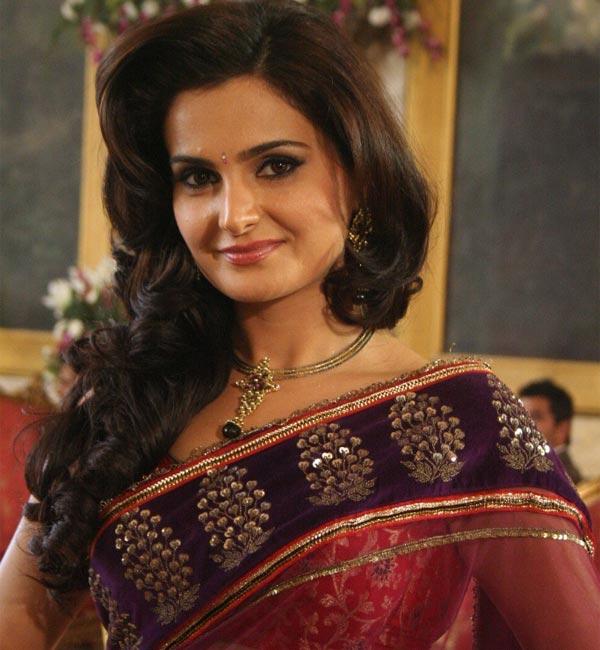 Saraswatichandra: Will Monica Bedi aka Gumaan separate Kumud and Saras again?