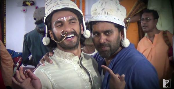 Gunday song Tune maari entriyaan making: Ranveer Singh, Arjun Kapoor and Priyanka Chopra go crazy!