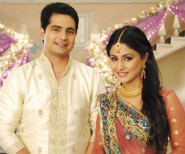 Yeh Rishta Kya Kehlata Hai – Akshara and Naitik get over Maa's death!