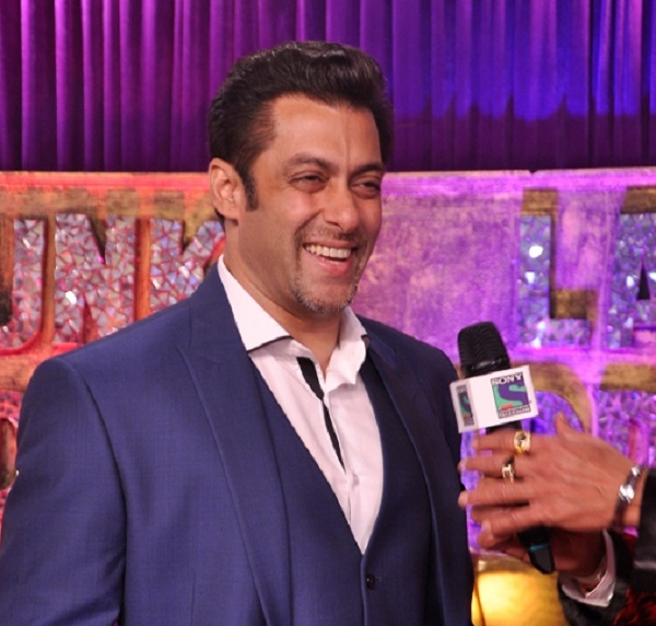 59th Idea Filmfare Awards 2013: Salman Khan walks the red carpet after 15 years!